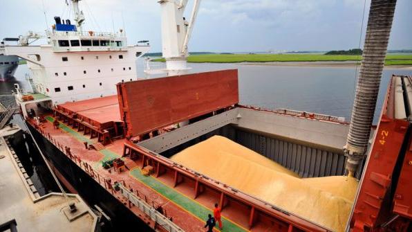 Finn Recycling_hiekan laivaus