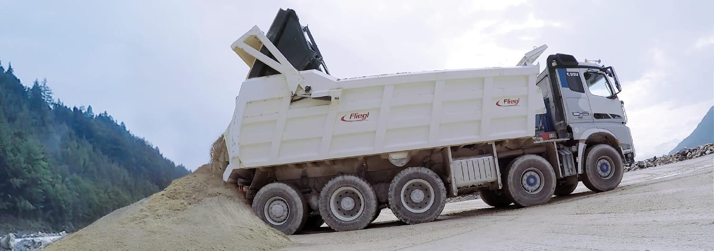 SISU POLAR SUPER_hiekka-auto